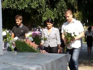 Депутатите Живко Тодоров (вдясно, той и кандидат-кмет от ГЕРБ) и Нели Калнева.