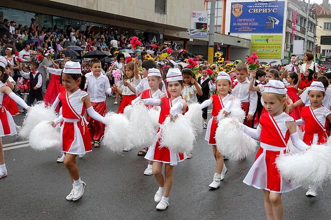 фестиваль розы праздничное шествие