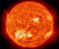 Отбелязани са изригвания на Слънцето, но земната магнитосфера остава спокойна