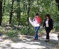 """Областният управител Живка Аладжова разговаря със собственици на имоти в парк """"Дъбова гора"""" на Старозагорските бани"""