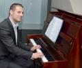 Кандидатът за евродепутат от ГЕРБ Ангел Филипов дари пиано на Регионалния исторически музей в Стара Загора