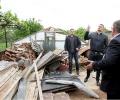 Бареков дари лични средства на пострадалите от смерча