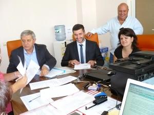 """Отляво надясно: Кънчо Филипов, Янко Янков и Мария Динева - първите трима в листата на коалиция """"България без цензура"""" в Старозагорския избирателен район"""