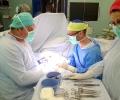 """Хирурзи на Болница """"Тракия"""" спасиха опасно срязана ръка на младеж"""