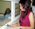 Зам.-министър Ваньо Шарков и подуправителят на НЗОК Иванка Кръстева демонстнрираха системата за пръстова идентификация в УМБАЛ