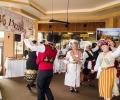 """Фестивалът """"Хляб и Вино"""" в Парк-Хотел """"Стара Загора"""" събра 750 лв. в помощ на дете с болни бъбреци"""
