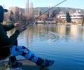 Поставят 40 метални платформи за риболов по брега на езеро