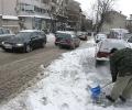 Утежнени зимни условия по пътищата в старозагорска община