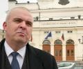 Първа стихосбирка издаде депутътът от ГЕРБ в 43-тото Народно събрание Маноил Манев