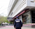 Сигнал за бомба затвори Универсалния магазин, отцепиха наоколо