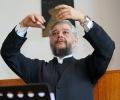 Старозагорският митрополит Киприан дирижира