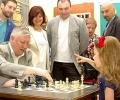Анатолий Карпов гостува в Стара Загора, откри детски шахматен турнир и се срещна с фенове
