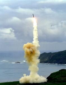 """Старт на 30-тонната междуконтинентална ракета на САЩ с шахтно базиране """"Минитмън 3"""""""