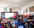 Предколедни вълнения във Второ основно училище - торти и бонбони за най-добрите в училищен конкурс