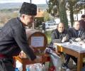 Стотици любители на пелина се събраха в Змейово на традиционния празник на елитното питие