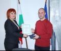Доброволен огнеборец от Казанлък получи Почетния знак на Областния управител
