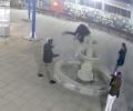 Разследват унищожаването на фонтан в Казанлък, собственост на Общината