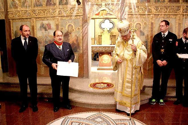 Вляво - Богдан Паташев и посланик Дзуколи