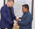Кметът Живко Тодоров връчи Знака на Стара Загора на момчето от Дом
