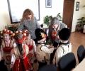 Старозагорски деца подариха мартенички на общинари