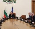 Безопасността на движение по пътищата и противодействието на битовата престъпност бяха обсъдени на оперативно заседание на правителството