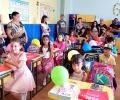 """За десета поредна година ТЕЦ """"ЕЙ И ЕС Гълъбово"""" изненада първокласниците в Гълъбово с раници и пособия за първия учебен ден"""