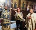Митрополит Киприан връчи високо отличие на кмета на Казанлък Галина Стоянова