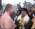 Осветиха бойните знамена на Богоявление в Стара Загора, 25-ма скочиха за кръста в ледените води на езерото