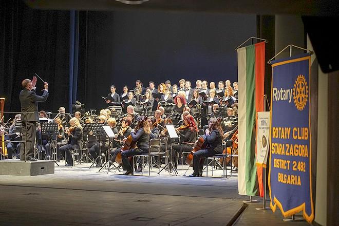 Момент от концерта в залата на Държавна опера – Стара Загора