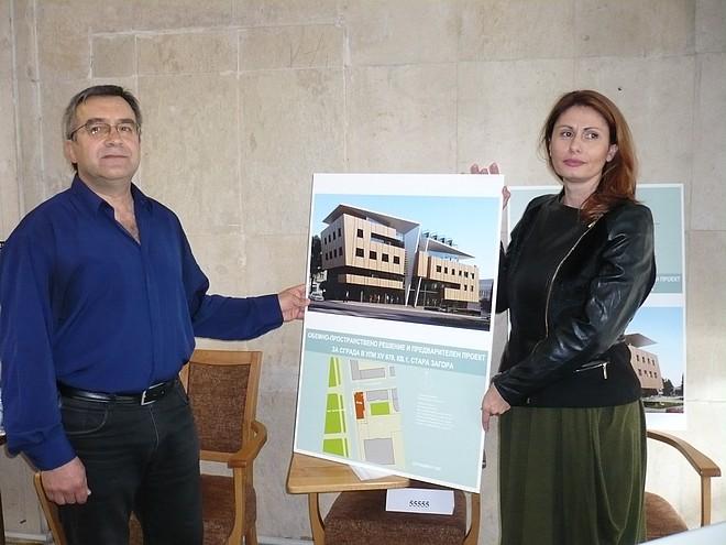 Двама от тримата автори на класирания на първо място проект - арх. Георги Чернев и арх. Ива Алтънова
