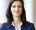 Водачът на листата на ГЕРБ за евродепутати Мария Габриел ще се включи в 300-метрово хоро в Стара Загора
