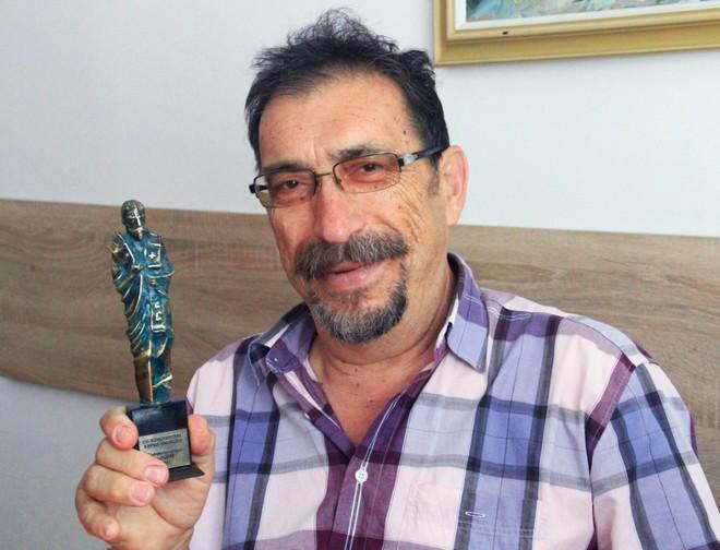 Иван Бунков, председател на УС на БАРМ с тазгодишната статуетка, очаква журито да излъчи новия носител на приза