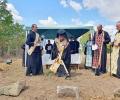 Митрополит Киприан направи първа копка на нов храм в новозагорското с. Радево