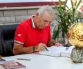 Стоичков раздаде над 10 000 автографа на лятното си турне