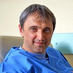 Д-р Иван Сираков