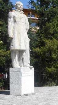 Georgi Kirkov pametnik Kazanlak