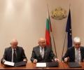 Подписаха договор за 33 нови електроавтобуса в Стара Загора