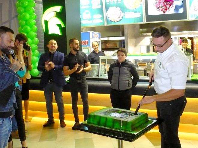 Тортата сряза Алекс Чивботариу - мениджър на Spartan