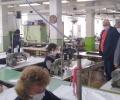 Произвеждат първите 2000 защитни облекла. Ограничават събирането на хора в паркове и градини