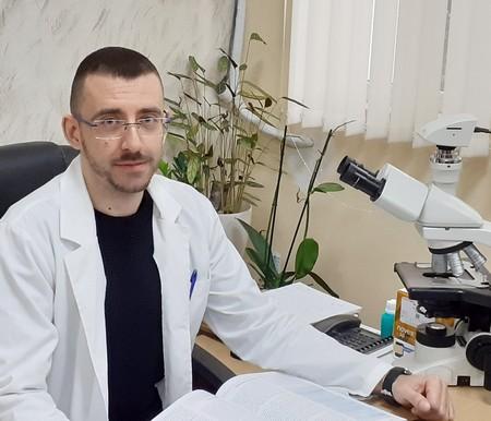 Доц. д-р Юлиян Ананиев