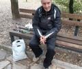 Старозагорци помагат на бездомен възрастен човек