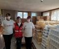 415 пакета хранителни продукти по 22,7 кг раздава БЧК Гълъбово