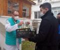Младежи от ГЕРБ – Стара Загора доставят топла храна на медици