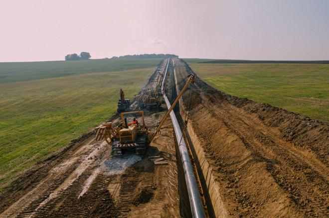 Пускането в търговска експлоатация на газопровода е предвидено най-късно до 1 юли 2022 г.