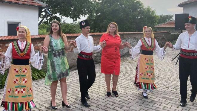 Taneva_Chakarova-1