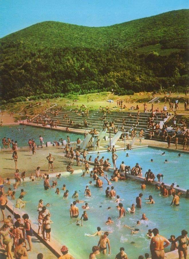 Плажът на Старозагорските бани в силните му години